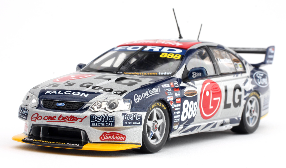2005 888 BA V8 Supercar Lowndes - Diecast Model Car