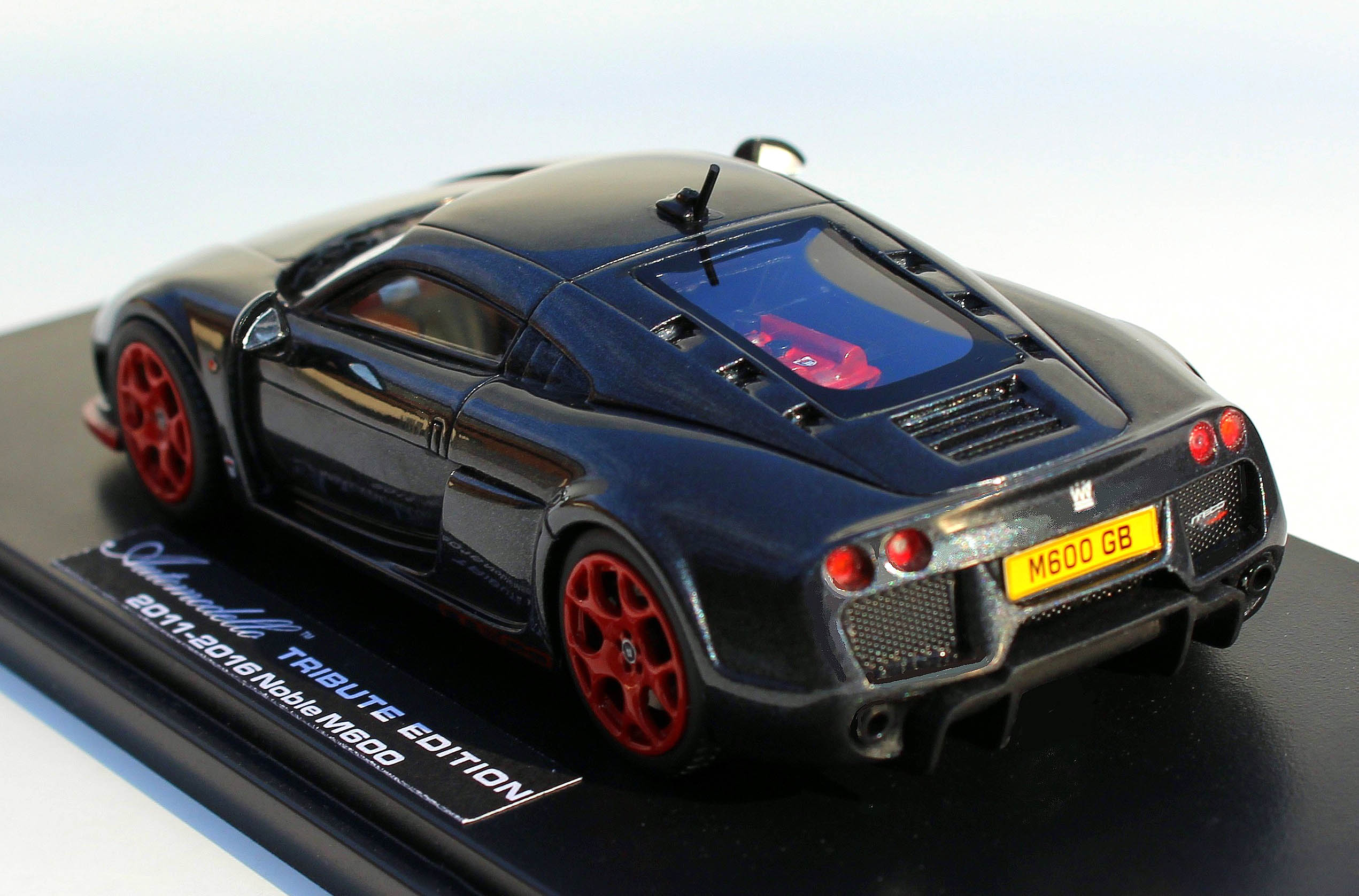 Automodello - 1.43 Noble M600