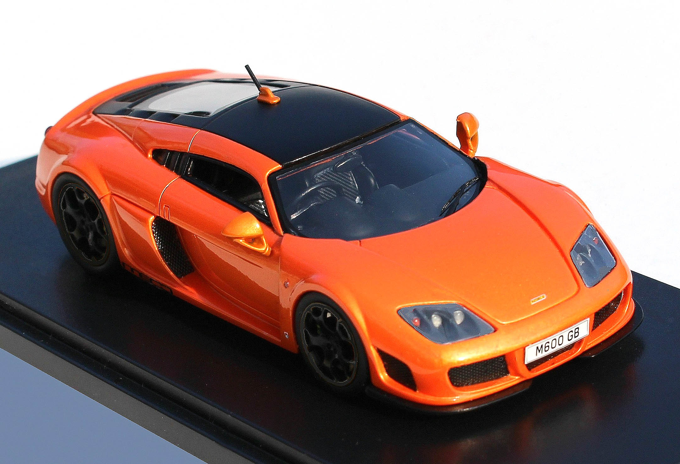 Automodello – 1.43 Noble M600 – Orange