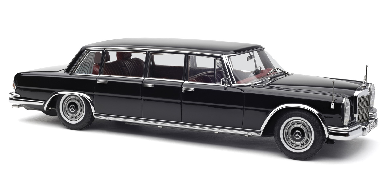1.18 CMC Mercedes-Benz Pullman 600 - Black - M-200