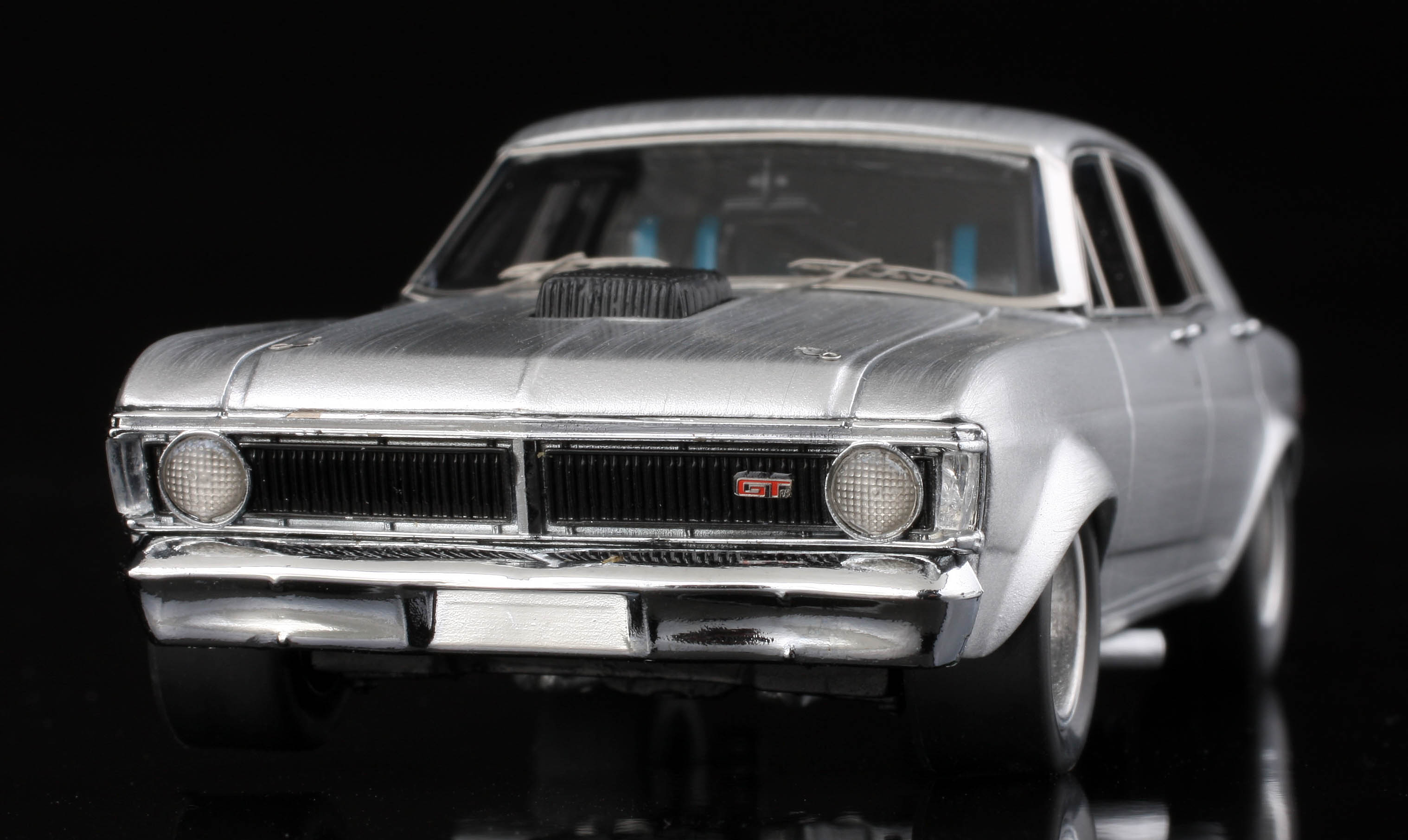 AMR - 1:43 'Real Steel' Ford Super Falcon Australia Model Replicas Resin Model Car