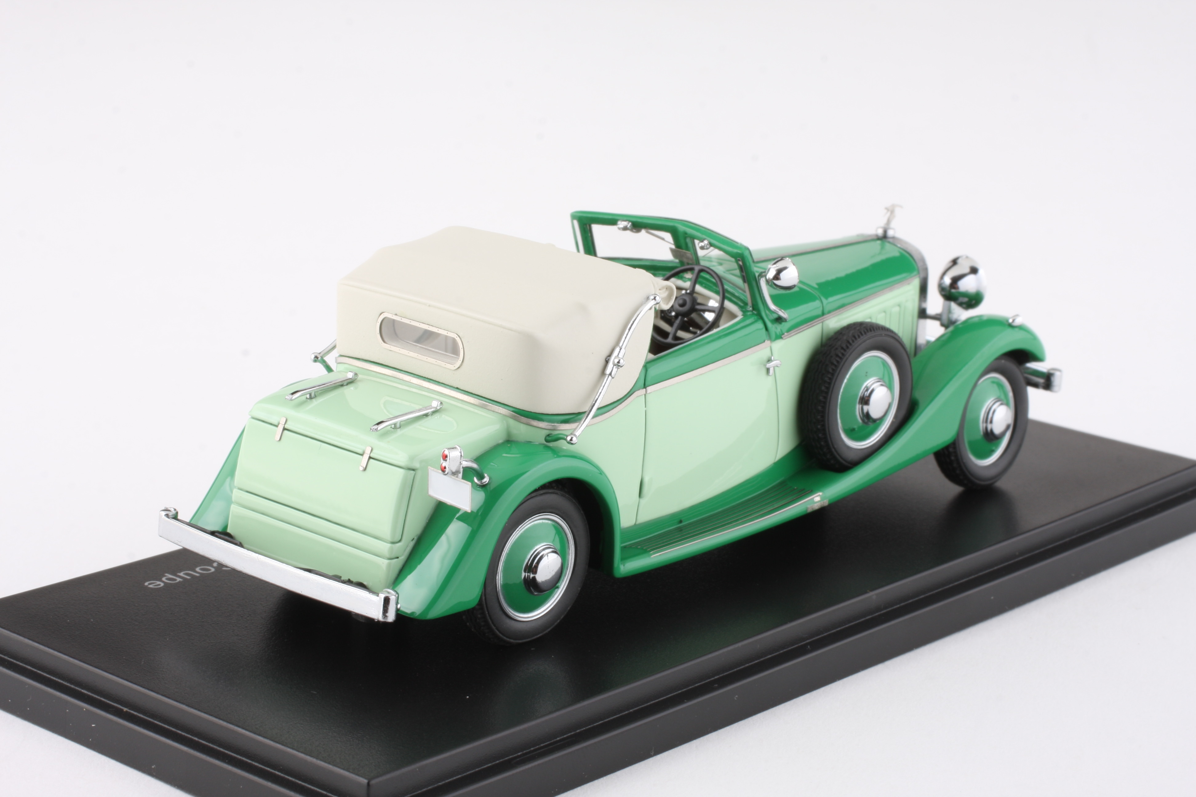 EMEU43001A - 1.43 Hispano Suiza J12 Three position Drophead Coupe by Fernandez and Darrin in Green Resin Model Car Diecast Model Car Sales 1:43 scale