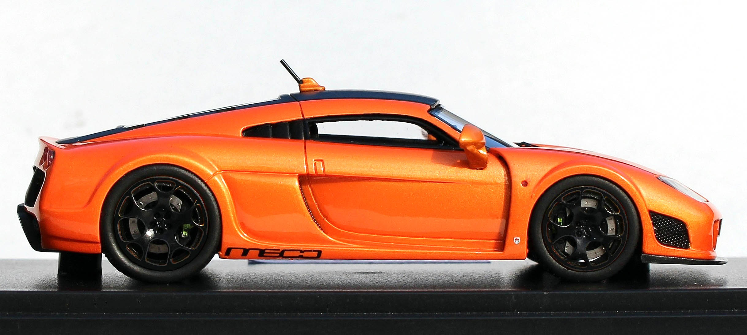 Automodello - 1.43 Noble M600 - Orange