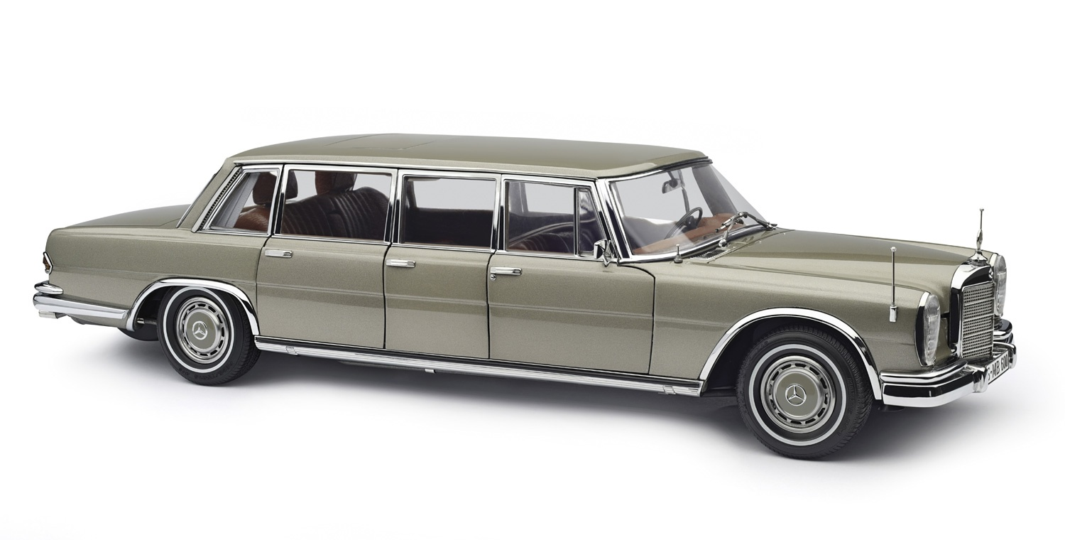 1:18 CMC - 1963-1981 Mercedes-Benz 600 Pullman with sunroof - Champagne